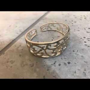 Silver detailed bangle